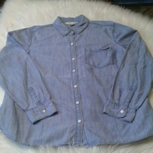 Woman's XL old navy  shirt $ 15.00 # 771